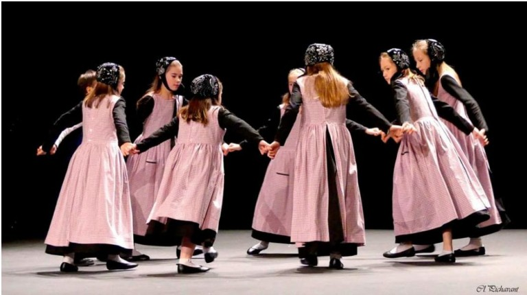 Danse bretonne, couture, broderie, perlage, création
