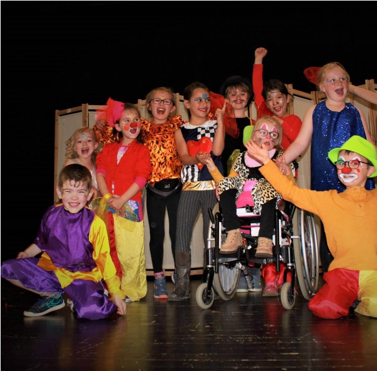 Ecole de spectacle - Théâtre-Danse-Clown à Locminé et Bignan- Morbihan - Finistère